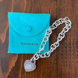 """Tiffany & Co """"Return to Tiffany"""" heart bracelet"""